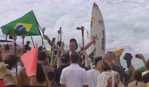 Medina Wins ASP (WSL) World Championship