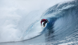Kelly Slater Scores Two Perfect 10s at Teahupoo — Makes History