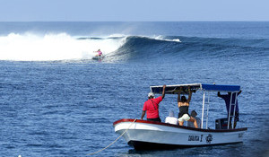 Tyler Wright Sent to Round 2 of Fiji Pro - Carissa Puts in Dominating Performance