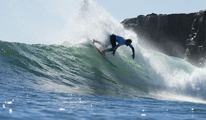 O'neill Cold Water Classic Returns to Steamer Lane