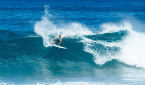 Triple Crown Leader Frederico Morais Should Be In the Pipe Masters
