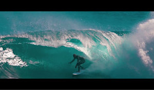Kelly Slater free-surfs West Oz