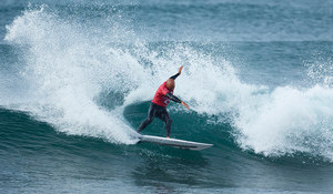Opening Day at Bells Sees Moments of Inspiration Amidst Uninspiring Surf