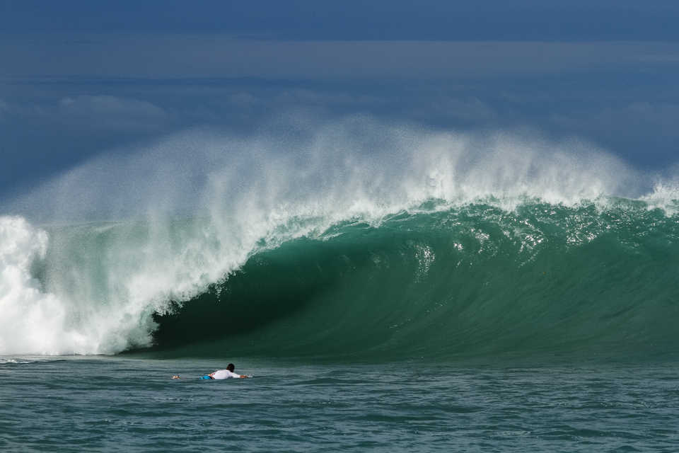 And they call it the most rippable fun wave on the planet. Yeah right