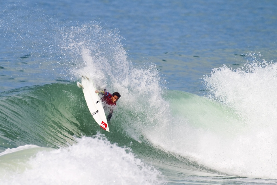 Jeremy Flores made the semis with all the Portuguese getting behind team France in real European Union style.
