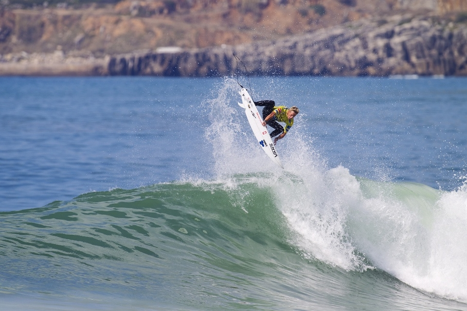 One pivotal moment came in quarters -- Jordy was behind with Pat Gudauskas heading into the semi final and staring defeat in the face and adios to the title. Then wait, watch me justify my million dollar salary, two minutes left a 2ft dribbler and a butter smooth air 360 and the heat.