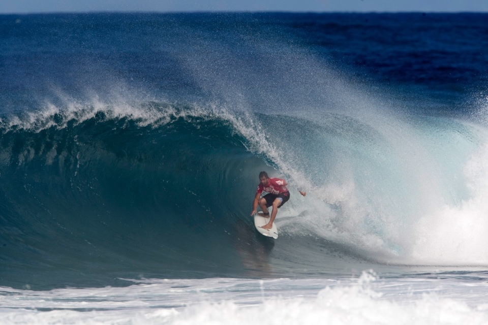 Dean Morrison was left with the pain of one of the day's deepest, longest backdoor barrels that pinched shut on him, leaving him in limbo between what could have been a perfect 10 but ended up worthless. Heath Joske suffered at similar fate and the Southern Cross flag came down at the Volcom Pipe Pro.