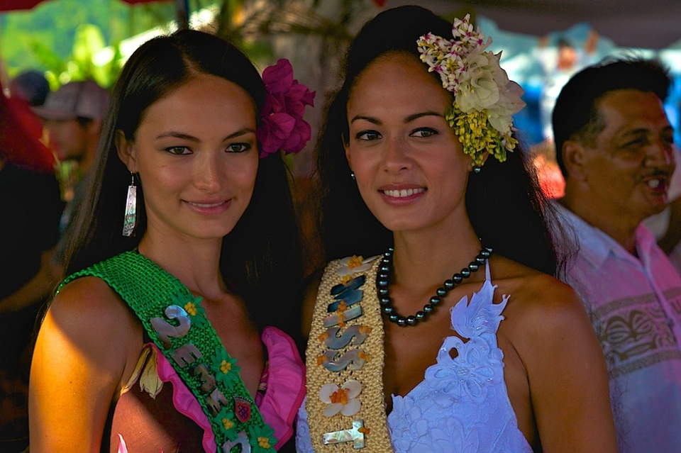 Jason bumped into Miss Tahiti and her friend.
