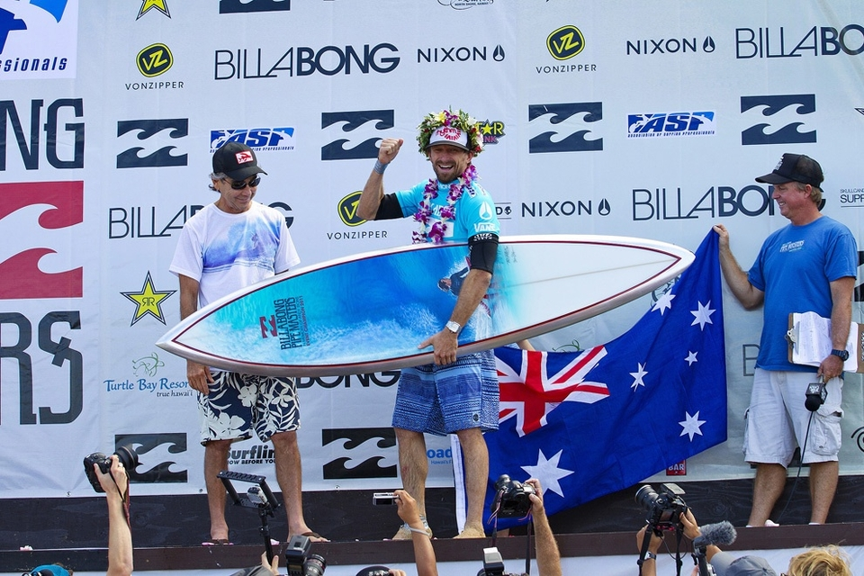 FINAL RESULTS   1st - Kieren Perrow (AUS) 13.17pts - $75,000  2nd - Joel Parkinson (AUS) 7.00pts - $30,000    SEMIFINALS   Heat 1 : Joel Parkinson (AUS) 17.23pts ; Kelly Slater (USA) 16.83pts  Heat 2 : Kieren Perrow (AUS) 12.00pts ; Michel Bourez (BRA) 4.07pts    QUARTERFINALS   Heat 1 : Joel Parkinson (AUS) 12.00pts ; Jamie O'Brien (HAW) 9.43pts  Heat 2 : Kelly Slater (USA)17.53pts ; John John Florence (HAW) 16.70pts  Heat 3 : Michele Bourez (PYF) 7.70pts ; Evan Valiere (HAW) 3.66pts  Heat 4 : Kieren Perrow (AUS) 17.23pts ; Gabriel Medina (BRA) 9.26pts