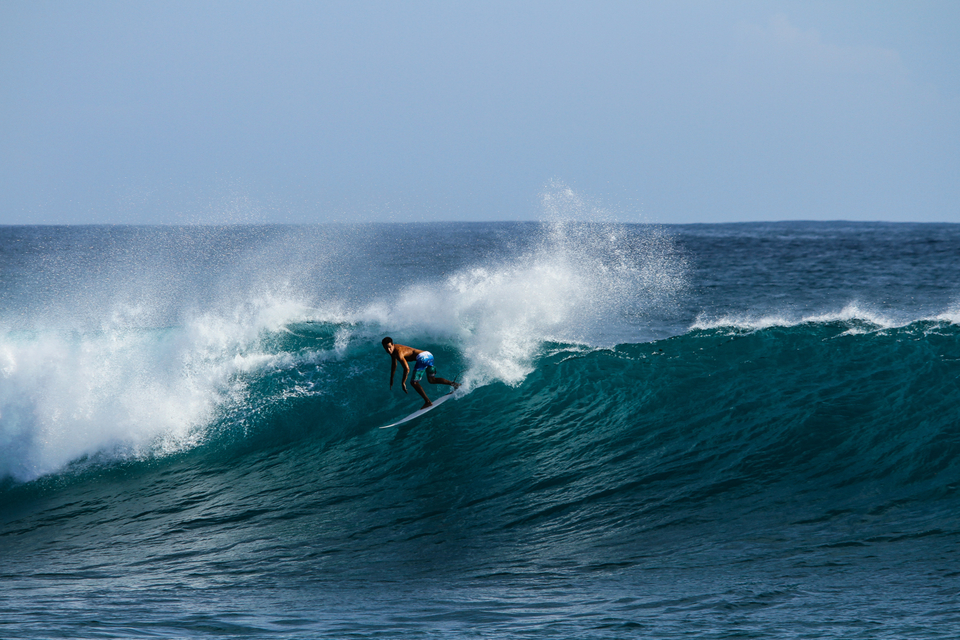 A jump in the swell from the SW delivers good sized lining walls at Lances Left