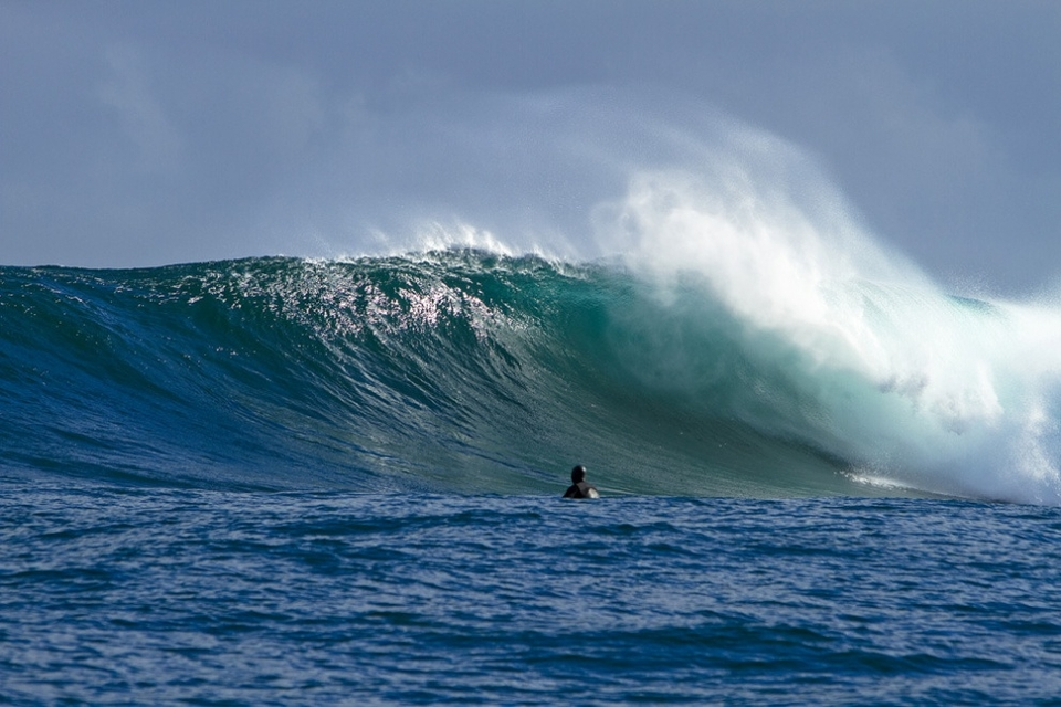 Every now and then you get a perfect barreling wave that explodes over the 2.5. The 2.5 is the shallowest place on the reef, it basically comes up to 2.5 metres below sea level on a low tide and can create a huge unpredictable barrel.