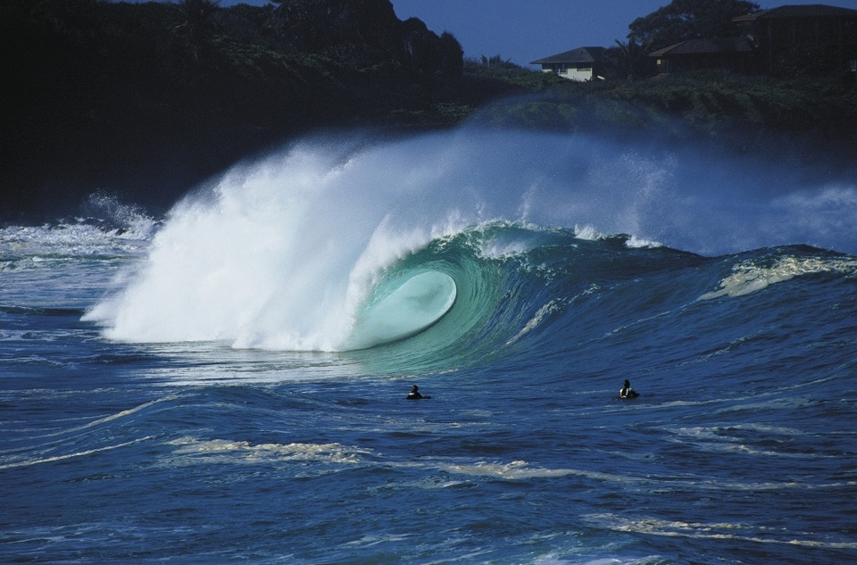 'The Shorey in all its glory...'   Sharpy's invitingly brutal shorebreak shot of Waimea Bay, Oahu.