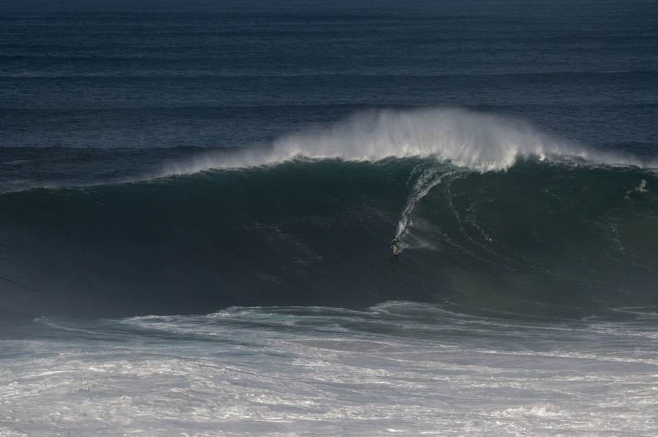João Macedo on one of the bombs of the week.
