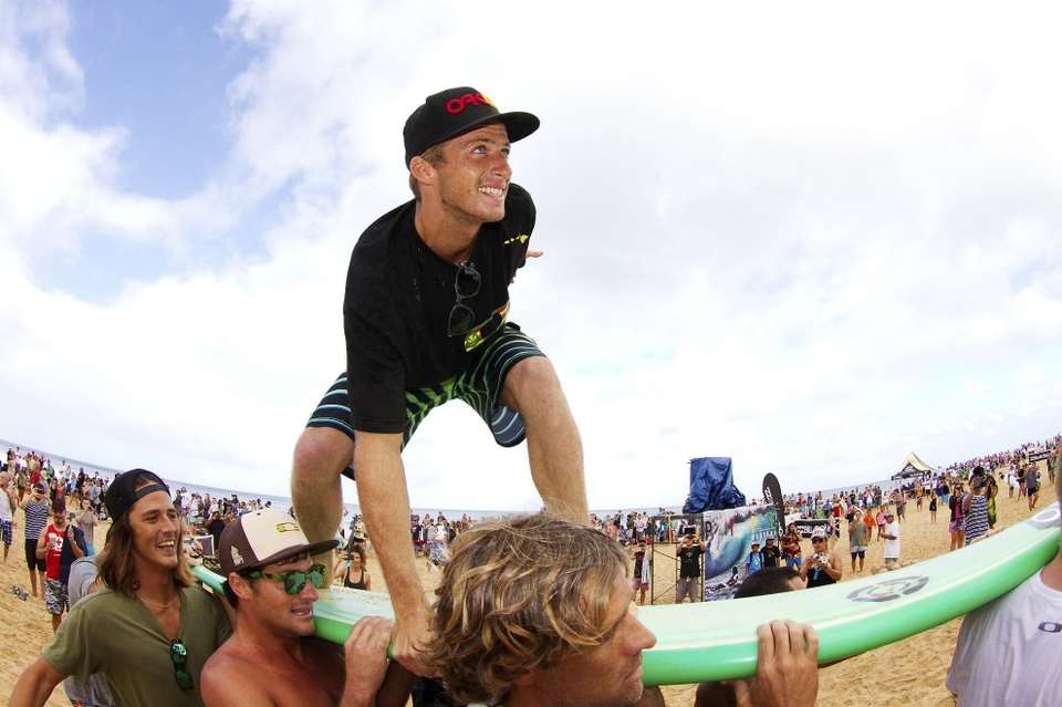 Zietz was in flawless form, eliminating defending Vans Triple Crown champion John John Florence (HAW) in Round 3. Zietz wins a record $100,000 bonus in recognition of the 30th anniversary of the Series, hydrated by vitaminwater, as well as a $30,000 Harley Davidson and a $10,000 custom Nixon watch.