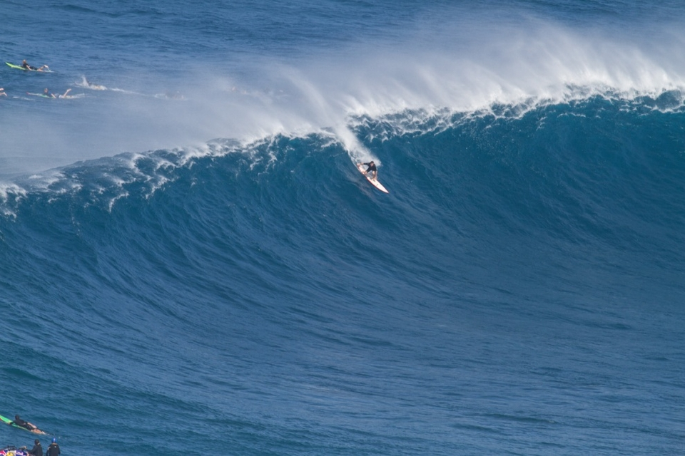 At one point there were about 50 surfers swarming the peak which makes this lonely drop all the more unusual.