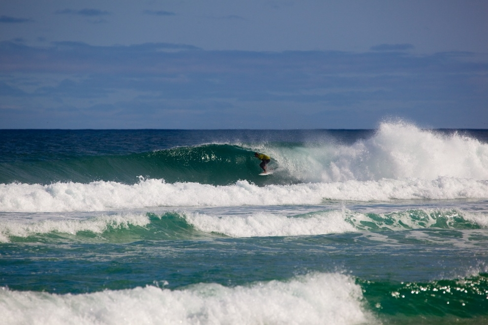 Michael Venter finding one of the elusive day one barrels.