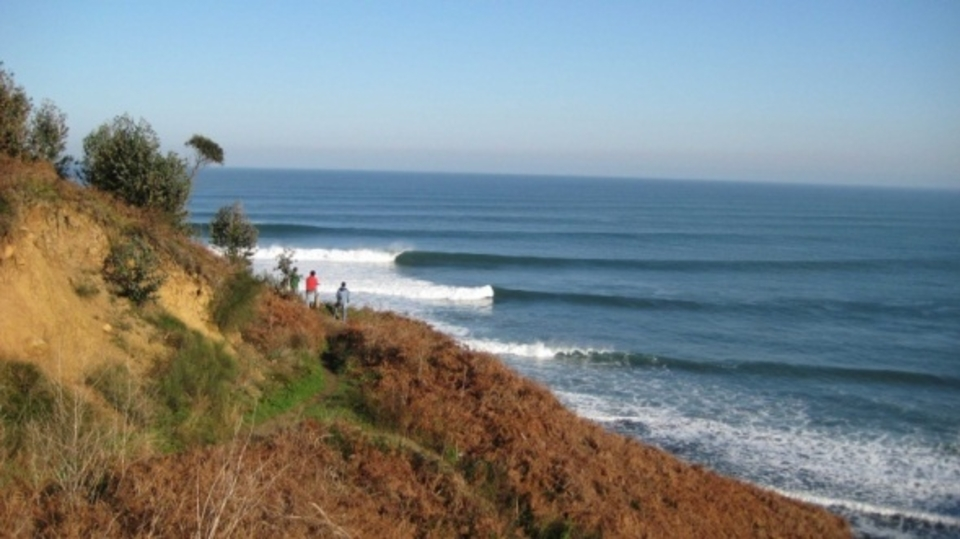 Autumn surfing in spain - Billabong bilbao ...