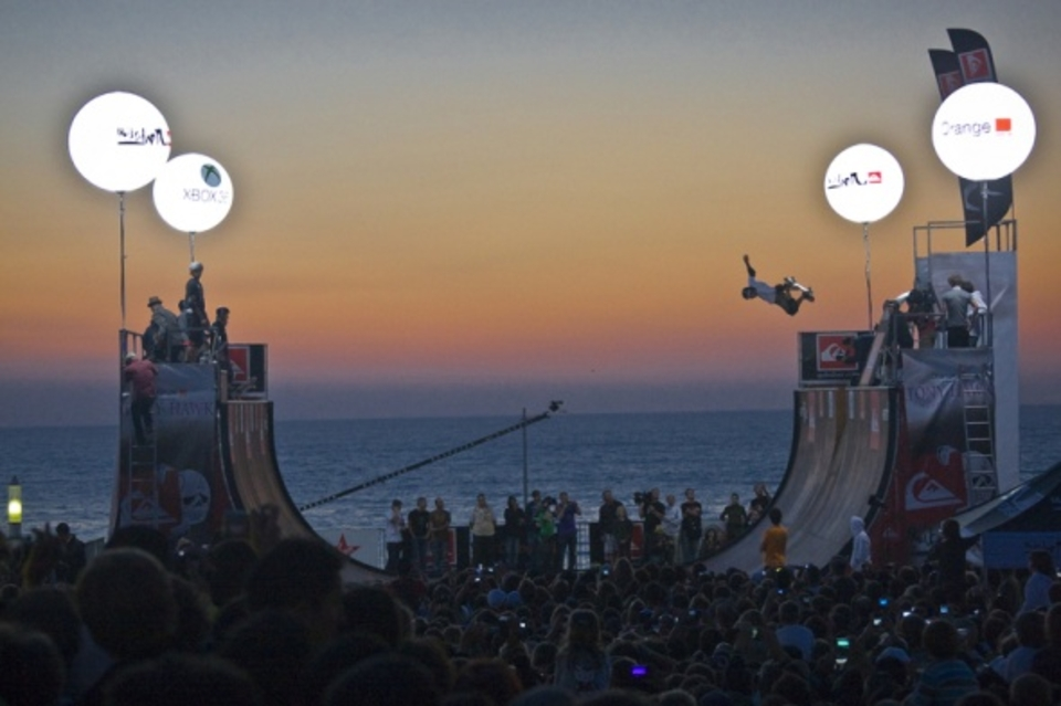 The sun doesn't set until 9:00pm. So, even on a big night -- like catching Tony Hawk with 10000 Kronenbourgs and 10000 of your closest friends -- you can still feel like you got home at a decent hour.