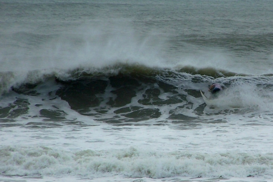 Some weird dark voodoo surfing was going on at Melbourne Beach (Florida)   More  here