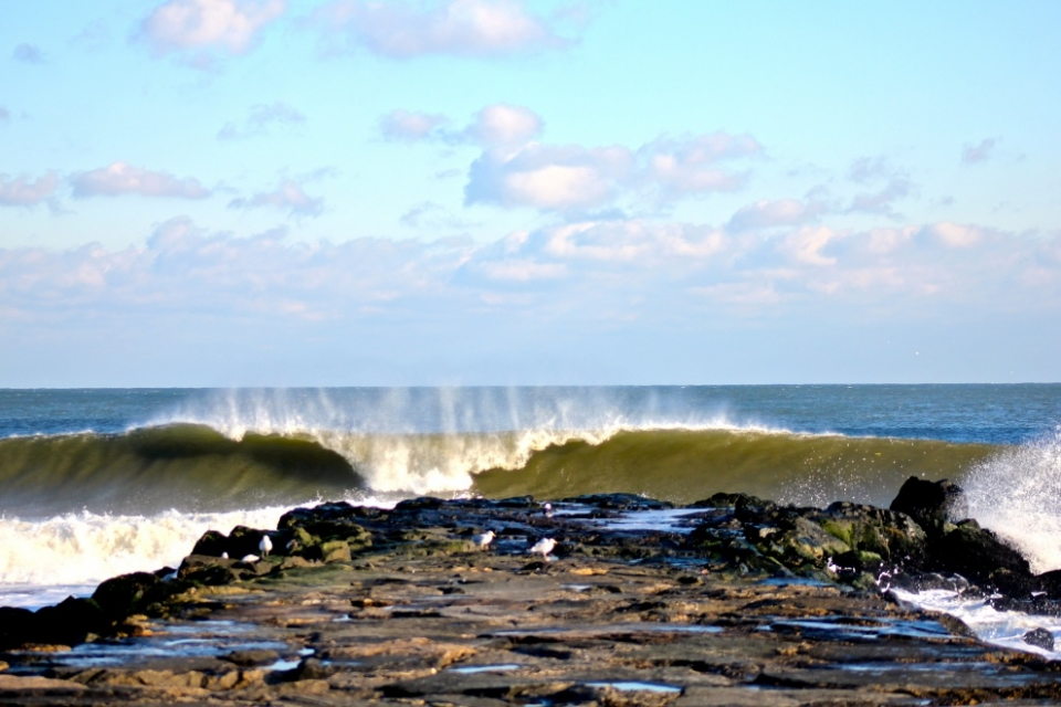 Another set wave goes unridden at Asbury Park.