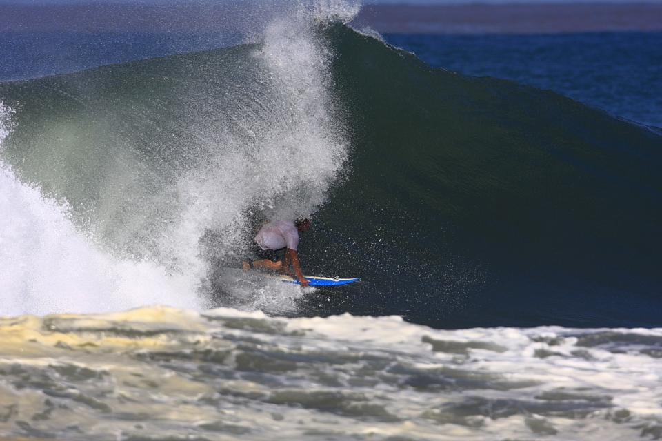 Mainland Mex is well known for its sunny and intolerable days.  Julian in a backside barrel, finding some shade.