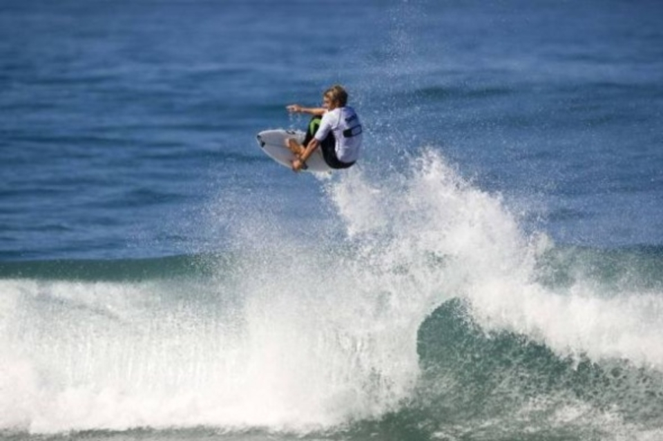 Shaun Joubert flying his way to a perfect 10 point ride in the finals of the Oakley Pro Junior Port Alfred