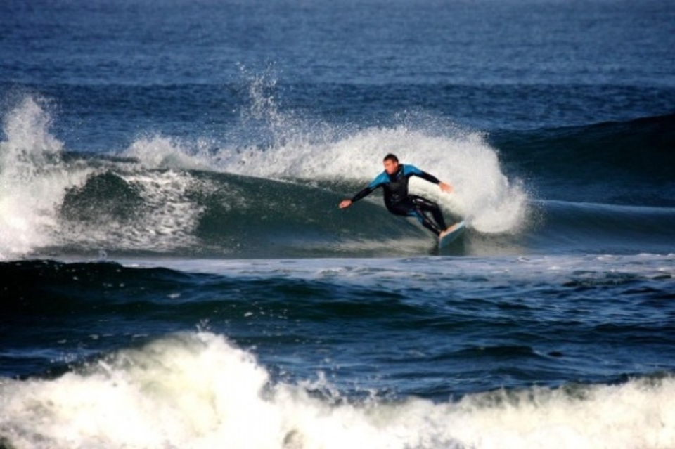 TW SURF's Justin Cote ripping Maurice's Pro Tow shape