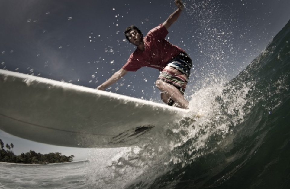 Not really a longboard wave ... But Brazillian Guilherme Andrade gave it a shot anyway