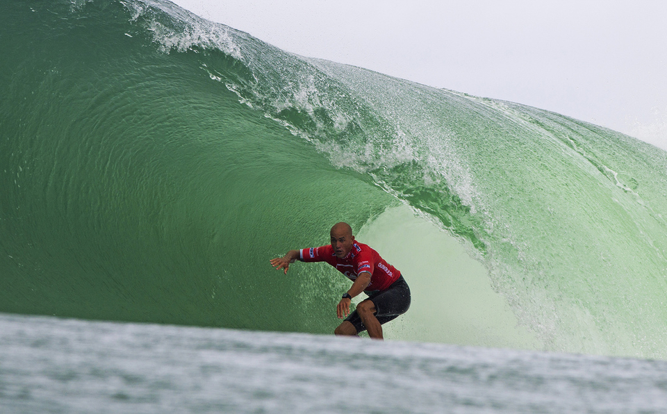 Kelly Slater deeply into the 2012 Quik Pro at Snapper