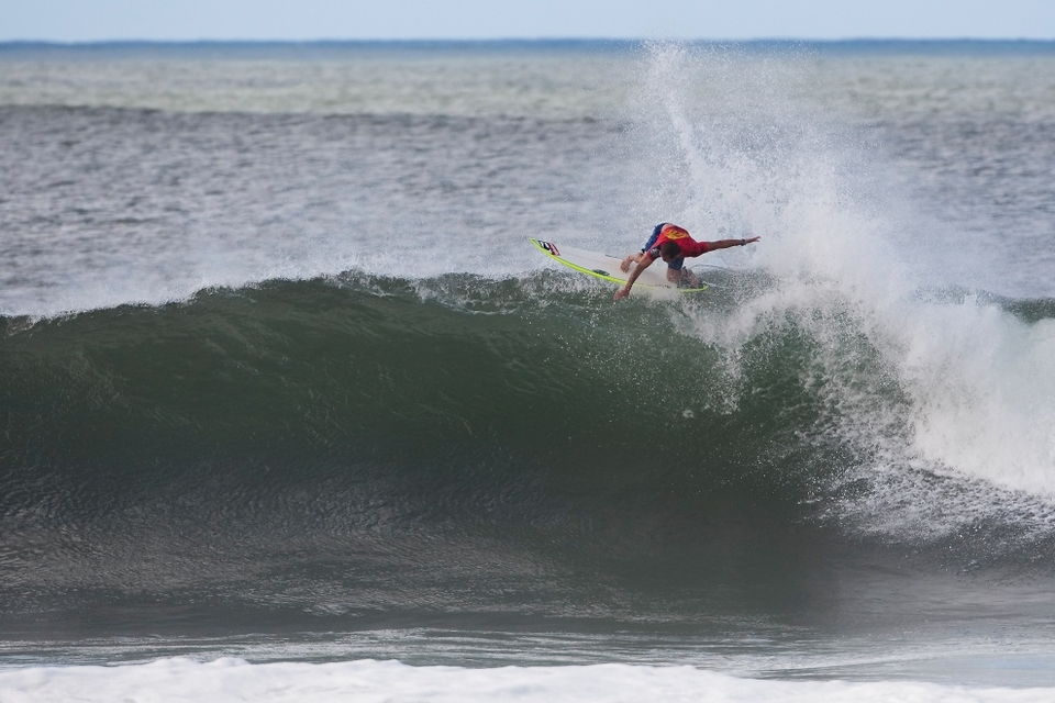 CJ Hobgood smoked a barrel in his semi followed by a huge floater to score the best single wave score for a considerable while in a 9.33. Shortly followed by a 7.33 he was on his way to the final.