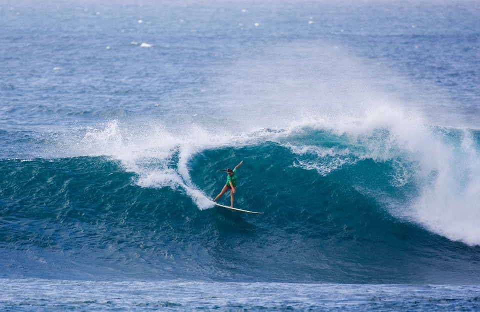 Blanchard, who is currently leading the Vans Triple Crown ratings, continued to flare throughout comp and wrapped up a fourth place finish. Her final appearance was no easy task as she defeated ASP Women's World No. 2 Silvana Lima, crushing Lima's hopes of an ASP Women's World Title while significantly helping her chances of requalification for the 2010 ASP Women's World Tour.