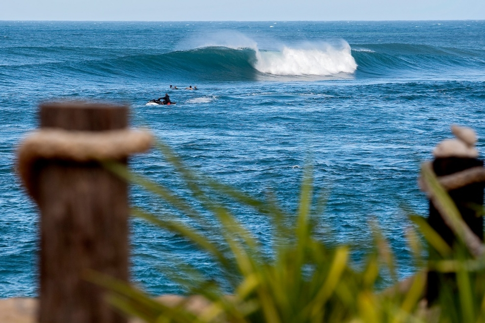 So what's the swell forecast to do?   Monday looks big and wild with the trades shifting increasingly northerly and messing it all up. The swell will then drop on Tuesday before pumping back in on Wednesday and Thursday.   The pattern of strong trades look forecast to break with light winds and potentially something very interesting arriving for the weekend.   Highlights from the Gidget Pro Sunset Beach are be available via   www.triplecrownofsurfing.com