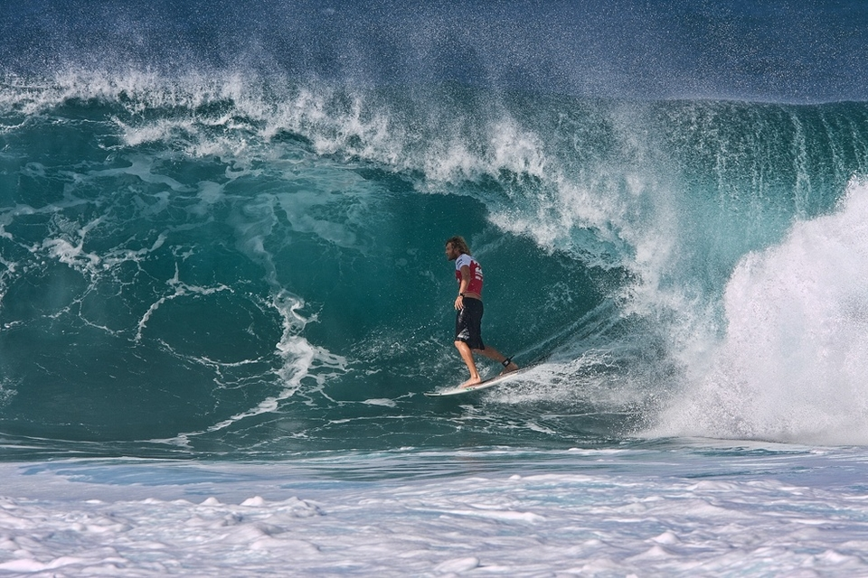 Jay Thompson didn't go through getting pipped by Mason Ho. This sucks because it means Bots needs to use his WQS spot to requalify.    If he had done it through this event then he wouldn't of needed his QS slot and Frenchie Joan Duru woulda been on tour next year... C'est la vie.