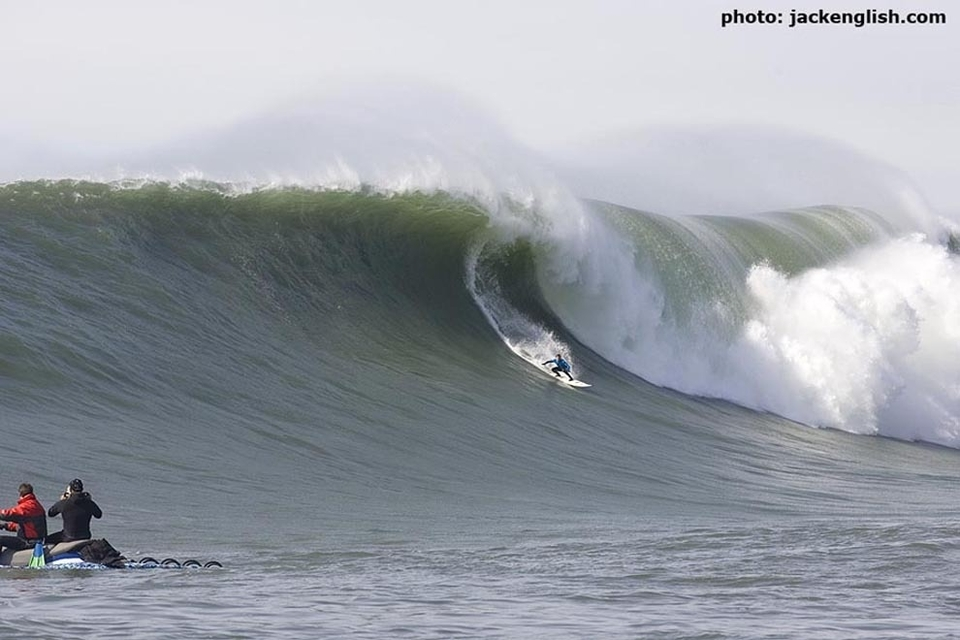 2010 Mavericks Surf Contest Champion Chris Bertish from South Africa was crowned at the weekend in solid 30+ft waves.   TransworldSurf's gentleman surfer, Justin Cote, takes you through the day in pictures.