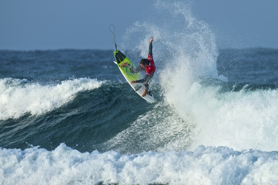 The biggest shock of the Day 5 came when Uruguayan Marco Giorgi knocked out defending CWC Tasmania champion, and current world number two, Jordy Smith (pictured), in a close heat, which even saw Jordy snap his new board.