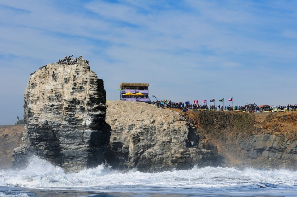 From a spectator's perspective, Punta de Lobos is a venue akin to a the Colosseum, except here instead of baying for blood the super enthusiastic crowd hoot and holler letting the surfers know when a set is approaching.   It seemed half of Chile and bit of Peru had rocked up to spectate.