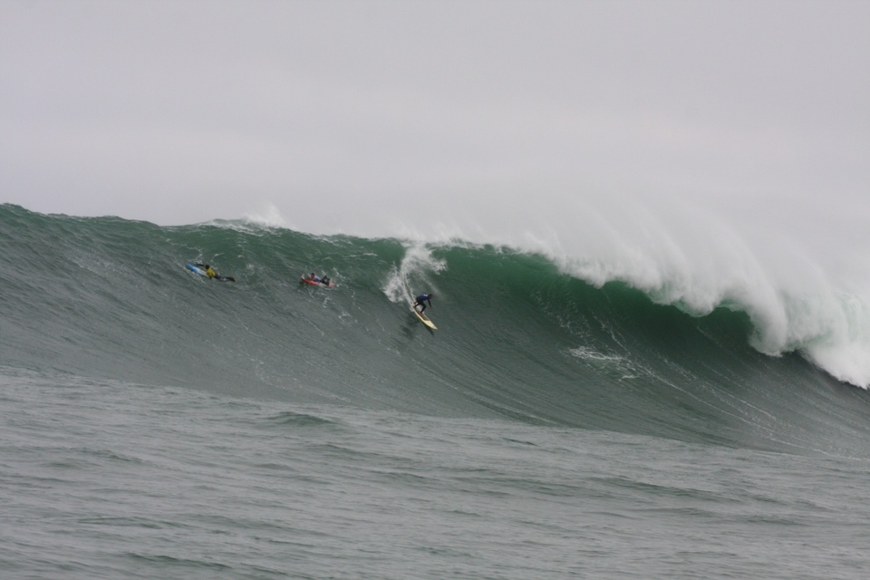 As you might expect various surfers experienced some extreme moments.    Peruvian Rafael Velarde lived through the intensity of Pico Alto in his first heat when a wave of 24 feet high broke the board that he ridden to two previous Billabong Pico Alto finals (2006 and 2009).    The eventual winner, Hawaiian Jamie Sterling and South African Chris Bertish both endured two wave hold-downs, Bertish coughing up blood and unable to finish the heat.
