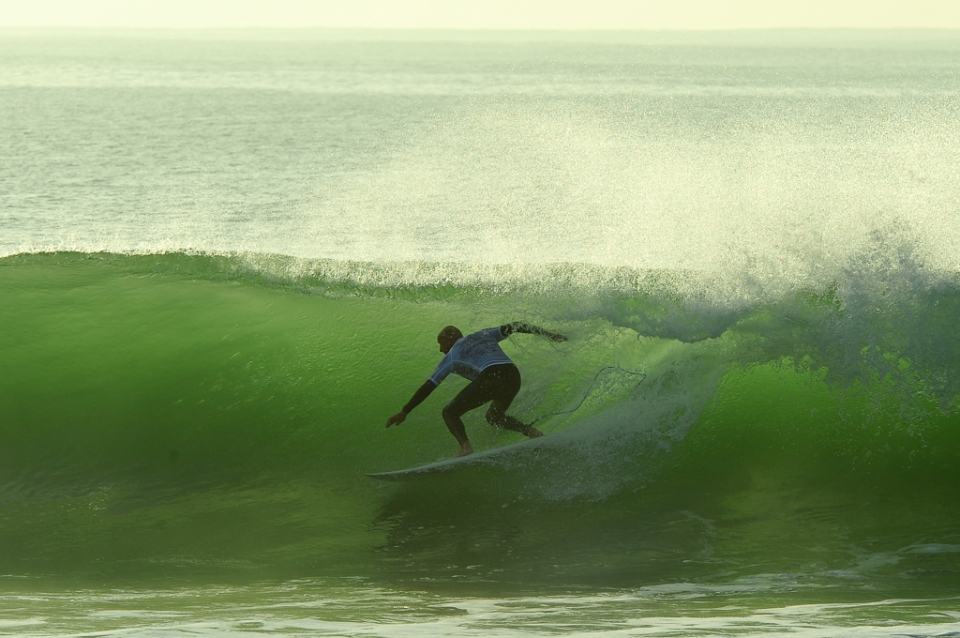 Slotting into a green dream over the Supers reef.