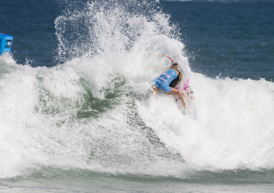 Kolohe Andino continues to live up to his contract beating Adrian Buchan and C.J. Hobgood