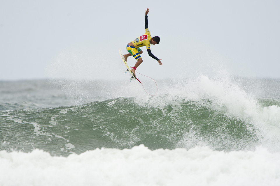 Filipe Toledo showed his form which surprised nobody ... he has skills this one
