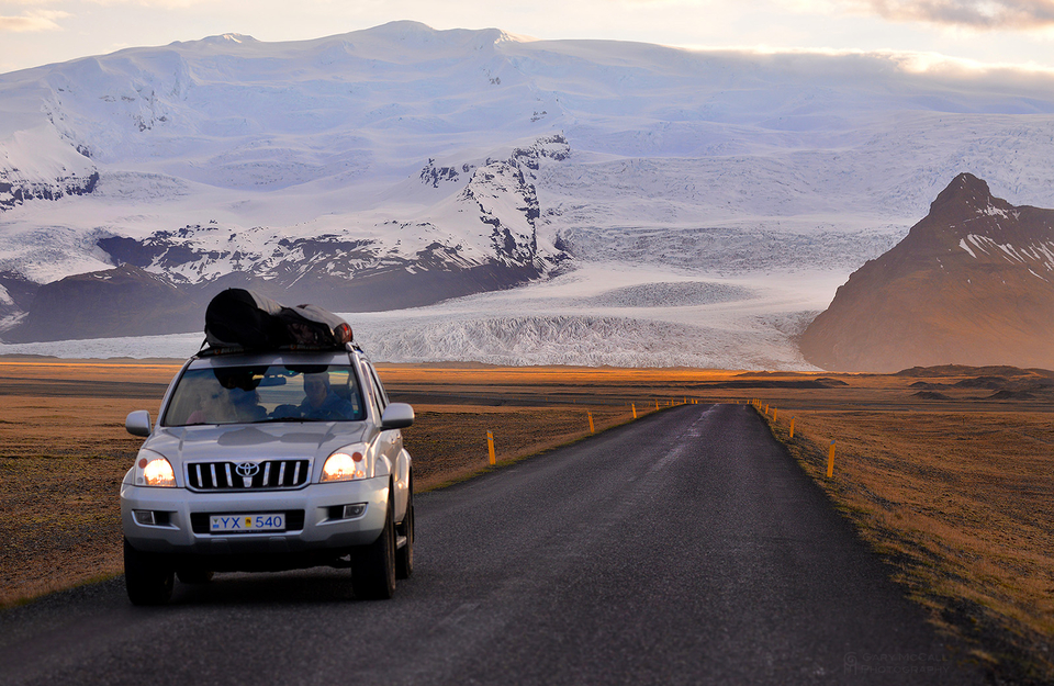 Route 1 is basically the only major highway in Iceland which continues for 828 miles around the exterior.