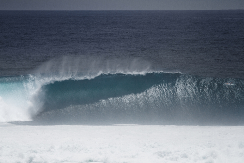 The  Uluwatu bommie throwing acres of shade