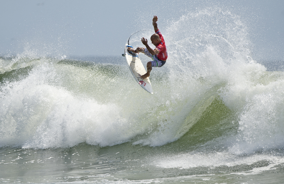 Kelly Slater only does airs in heats, saves his ankles.