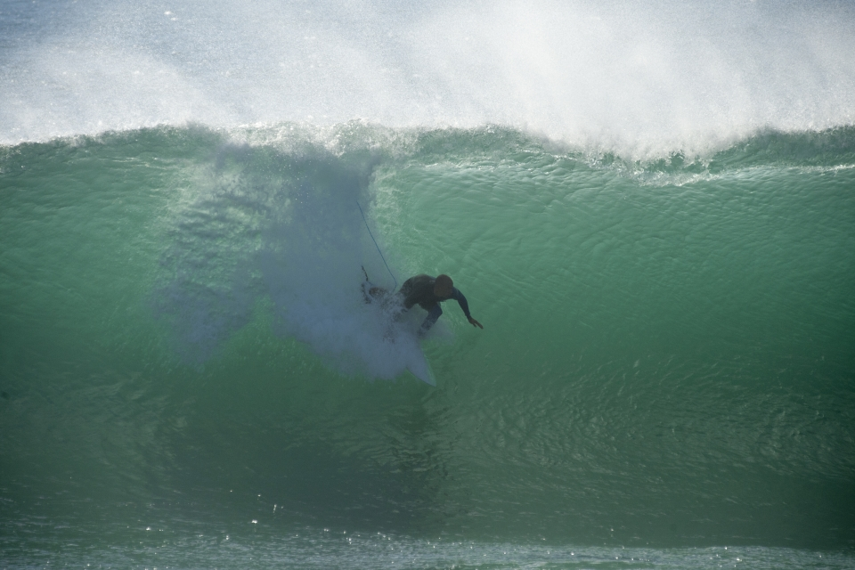 Slater pulls in again. If only the Rip Curl Pro was held a few miles further north.