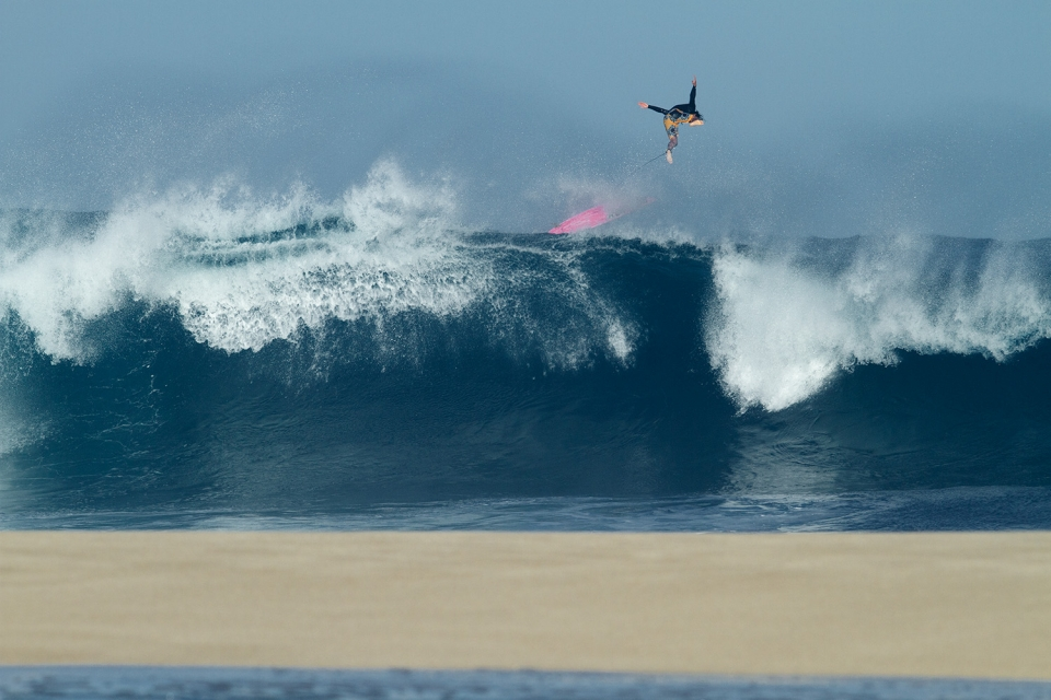 The safest option is often the most spectacular. Keoni Jones avoiding an encounter with sand.