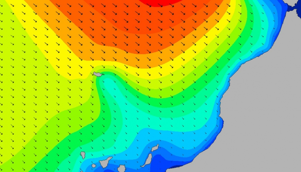 Monday, 3pm. The brunt of the swell hit on Monday evening, providing a day of gargantuan righthand walls throughout Tuesday.