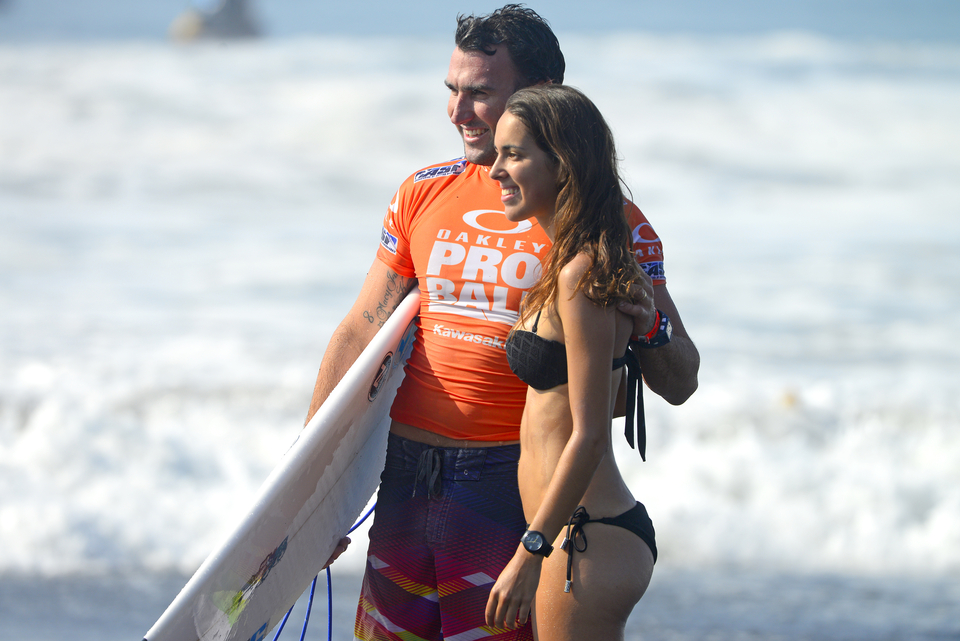 Parko posing with a fan ... Do not insert fishing joke here.
