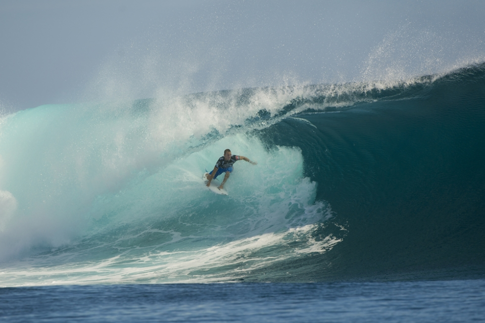 Dusty Payne and this mega tube wasn't enough to dislodge Kai.