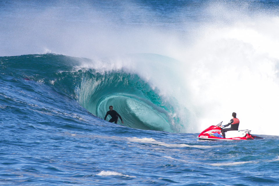 Sam Mac slipping below sea level at Solander. stepping on the breaks for more tunnel time