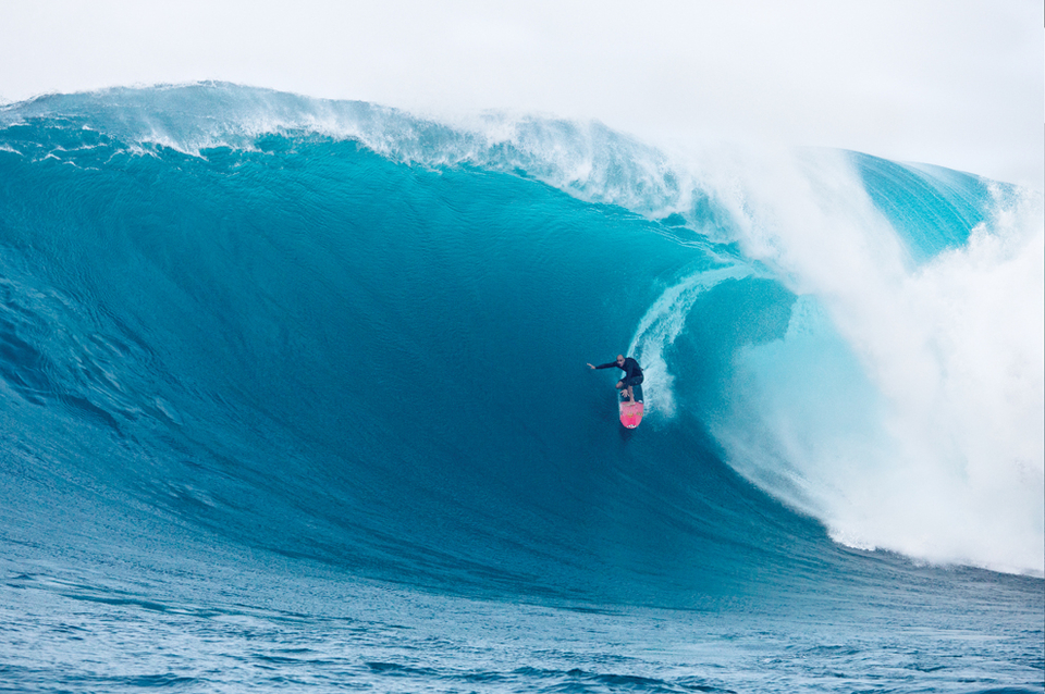 Shane Dorian won the Pacifico Tube and Ride of the Year titles.